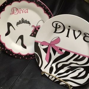 Lot of 2 Teen's Diva Plates Decors
